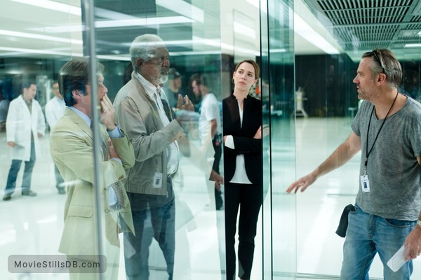 Transcendence - Behind the scenes photo of Wally Pfister, Morgan Freeman, Cillian Murphy & Rebecca Hall