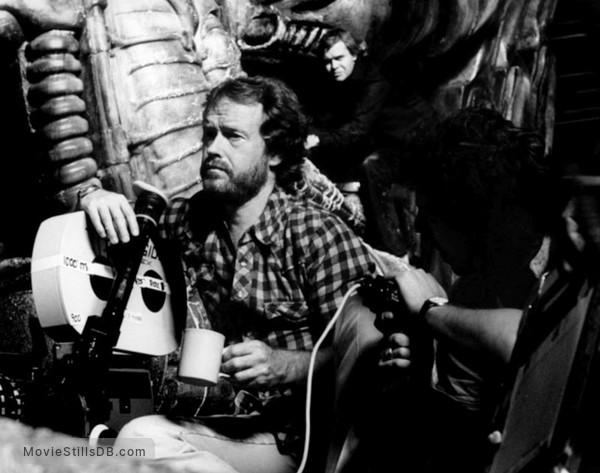 Alien - Behind the scenes photo of Ridley Scott & H.R. Giger