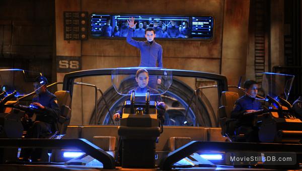 Ender's Game - Publicity still of Artha, Hailee Steinfeld, Asa Butterfield & Aramis Knight