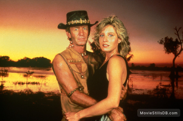 Crocodile Dundee - Promo shot of Paul Hogan & Linda Kozlowski