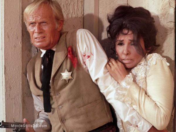 Death of a Gunfighter - Publicity still of Richard Widmark & Lena Horne