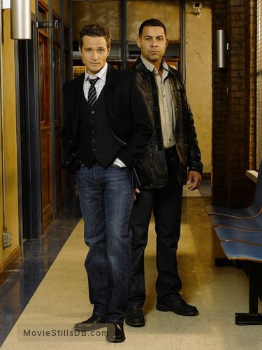 Castle - Promo shot of Jon Huertas & Seamus Dever