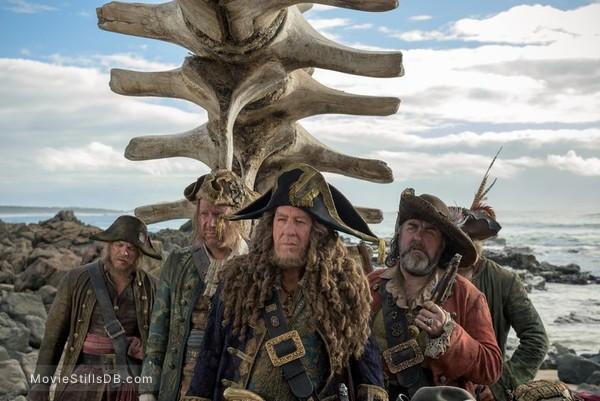 Pirates of the Caribbean: Dead Men Tell No Tales - Publicity still of Geoffrey Rush, Angus Barnett & Giles New