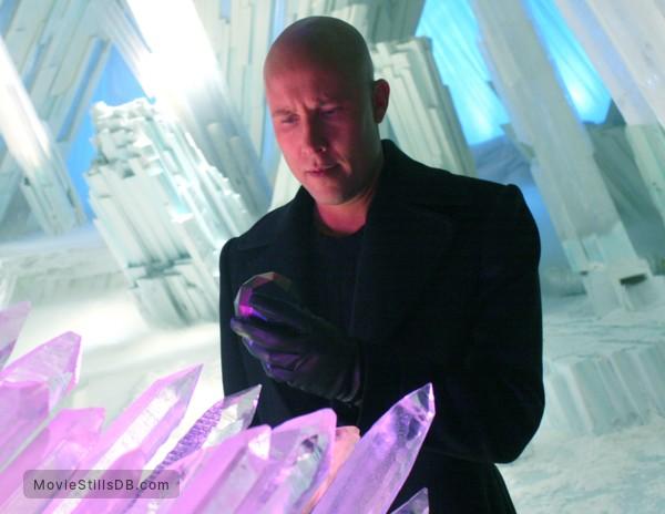 Smallville - Publicity still of Michael Rosenbaum