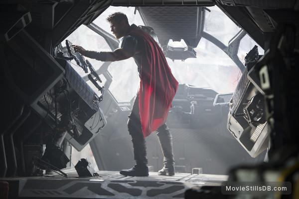 Thor: Ragnarok - Publicity still of Chris Hemsworth