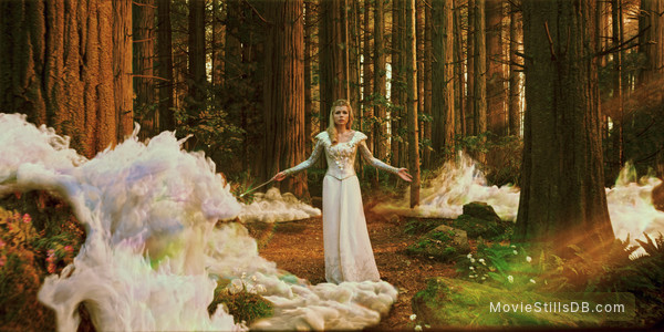 Oz: The Great and Powerful - Publicity still of Michelle Williams