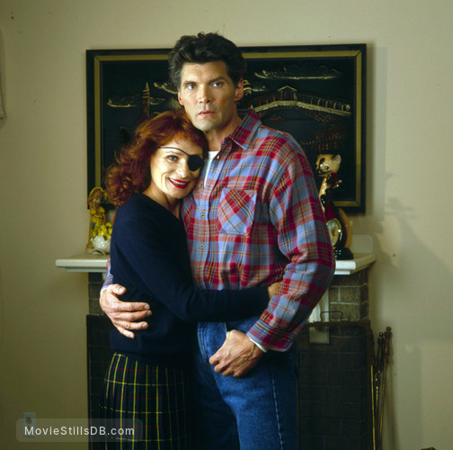 Twin Peaks - Promo shot of Эверет МакГилл & Wendy Robie