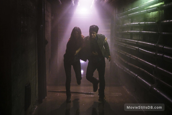 Teen Wolf - Publicity still of Shelley Hennig & Tyler Posey