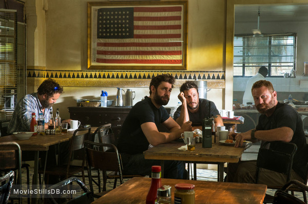 13 Hours: The Secret Soldiers of Benghazi - Publicity still of David Denman, John Krasinski, Pablo Schreiber & Dominic Fumusa