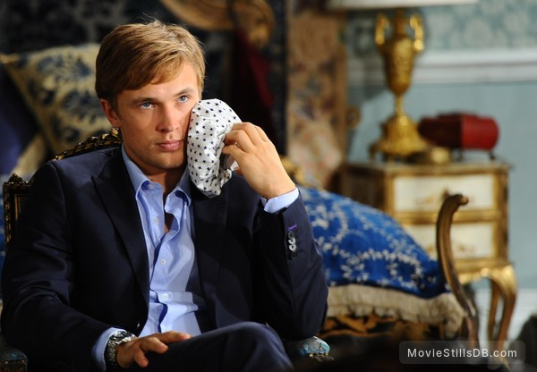 The Royals - Publicity still of William Moseley