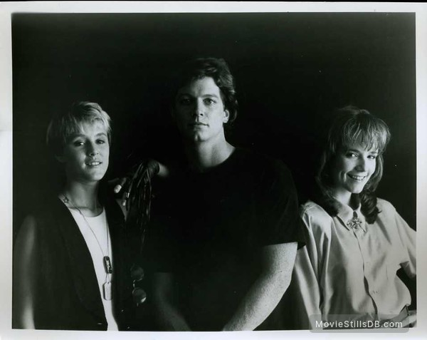 Some Kind of Wonderful - Publicity still of Eric Stoltz, Lea Thompson & Mary Stuart Masterson