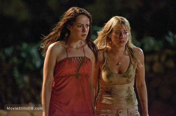 The Ruins - Publicity still of Laura Ramsey & Jena Malone