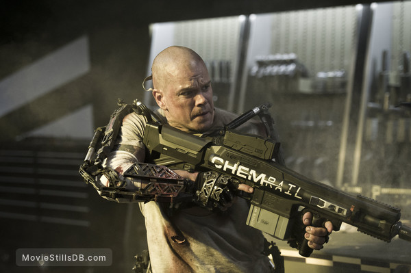 Elysium - Publicity still of Matt Damon