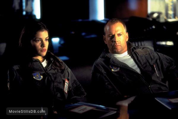 Armageddon - Publicity still of Liv Tyler & Bruce Willis