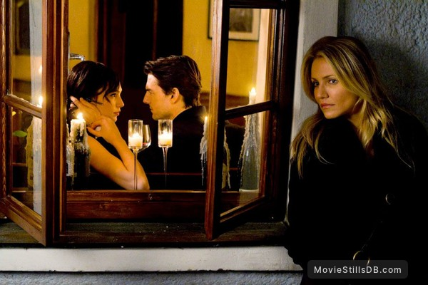Knight and Day - Publicity still of Tom Cruise, Cameron Diaz & Gal Gadot