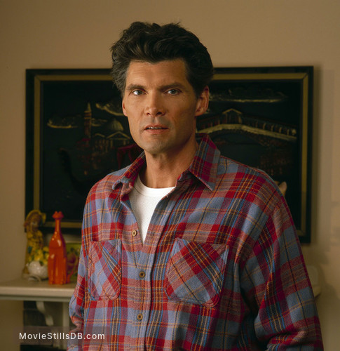 Twin Peaks - Promo shot of Everett McGill