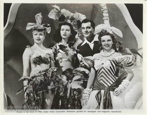 Ziegfeld Girl - Behind the scenes photo of Judy Garland, Hedy Lamarr, Lana Turner & Tony Martin