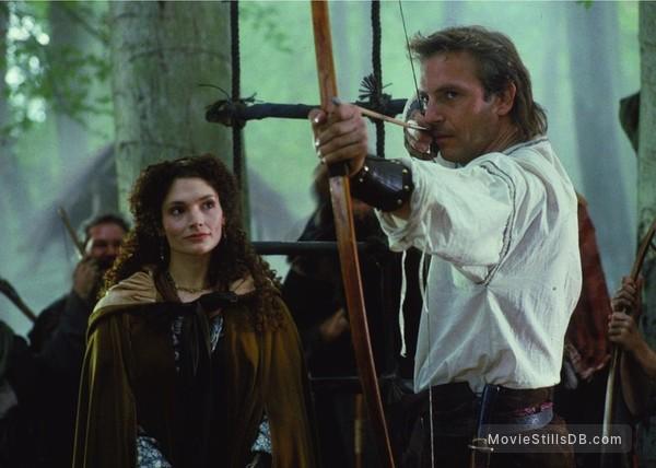 Robin Hood - Publicity still of Kevin Costner & Mary Elizabeth Mastrantonio