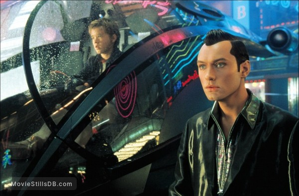 Artificial Intelligence: AI - Publicity still of Haley Joel Osment & Jude Law