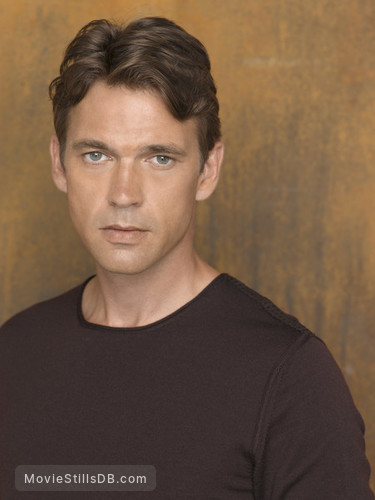 Desperate Housewives - Promo shot of Dougray Scott