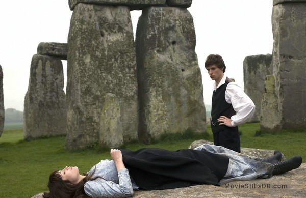 Tess of the D'Urbervilles - Publicity still of Eddie Redmayne & Gemma Arterton