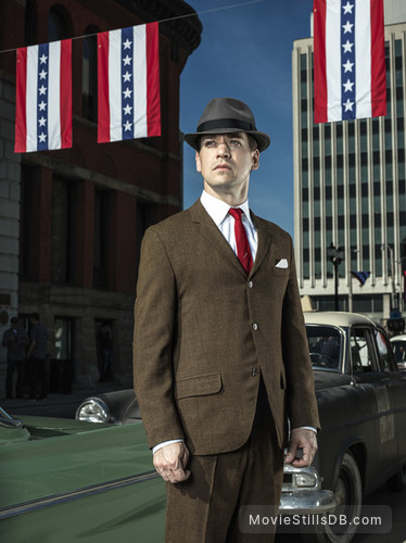 11.22.63 - Promo shot of T.R. Knight