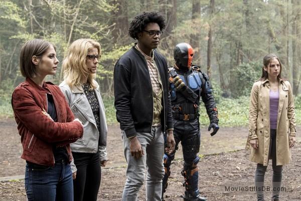 Arrow Episode 5x23 Publicity Still Of Emily Bett Rickards Echo