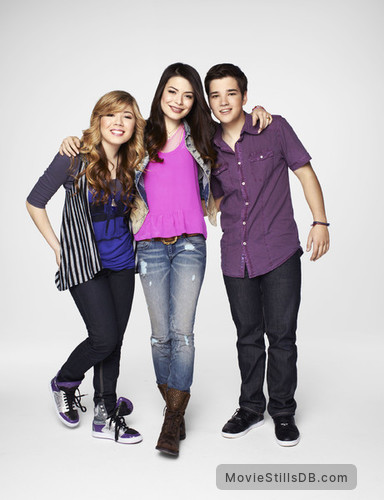 iCarly - Promo shot of Miranda Cosgrove, Nathan Kress & Jennette McCurdy