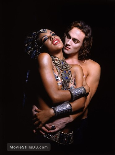 Queen Of The Damned - Promo shot of Aaliyah & Stuart Townsend
