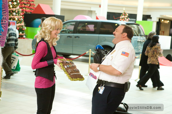 Paul Blart: Mall Cop - Publicity still of Kevin James & Jayma Mays