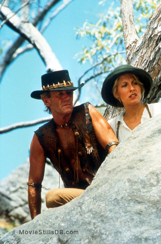 Crocodile Dundee II - Publicity still of Paul Hogan & Linda Kozlowski