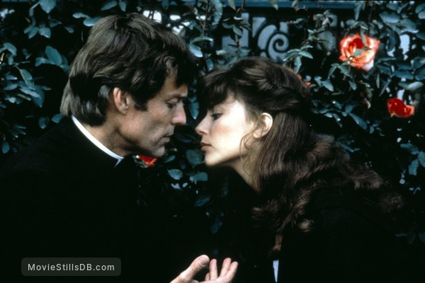 The Thorn Birds - Publicity still of Richard Chamberlain & Rachel Ward