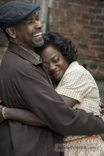 Fences - Publicity still of Denzel Washington & Viola Davis