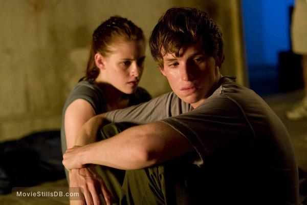 The Yellow Handkerchief - Publicity still of Kristen Stewart & Eddie Redmayne