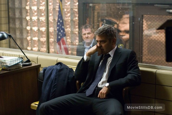 Michael Clayton - Publicity still of George Clooney & Tom Wilkinson