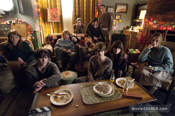 Never Let Me Go - Publicity still of Andrew Garfield, Keira Knightley, Carey Mulligan, Domhnall Gleeson & Andrea Riseborough