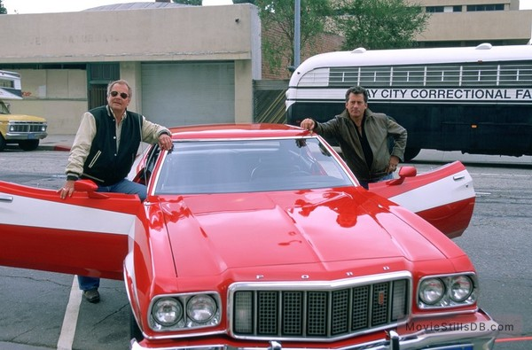 Starsky And Hutch - Behind the scenes photo of Paul Michael Glaser & David Soul