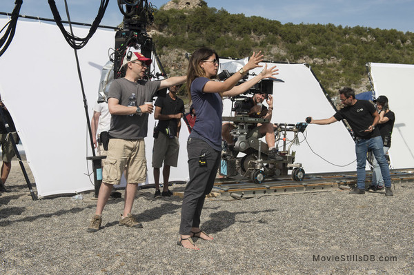 Wonder Woman - Behind the scenes photo of Patty Jenkins