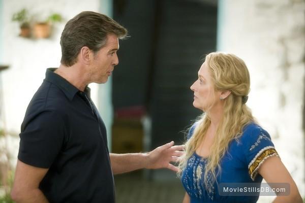 Mamma Mia! - Publicity still of Meryl Streep & Pierce Brosnan