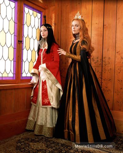Snow White - Promo shot of Kristin Kreuk & Miranda Richardson