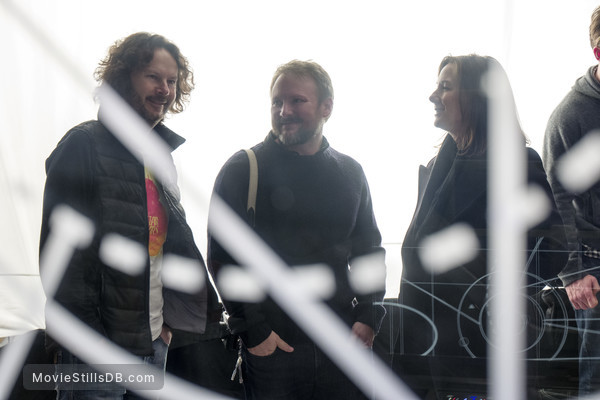 Star Wars: The Last Jedi - Behind the scenes photo of Rian Johnson & Kathleen Kennedy