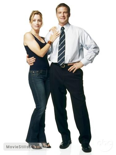 Desperate Housewives - Promo shot of Felicity Huffman & Doug Savant