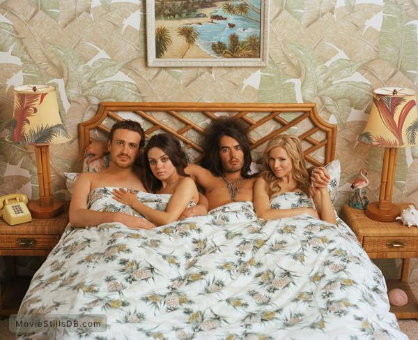Forgetting Sarah Marshall - Promo shot of Jason Segel, Kristen Bell, Mila Kunis & Russell Brand