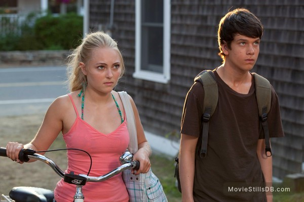 The Way Way Back - Publicity still of AnnaSophia Robb & Liam James