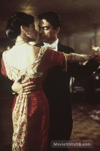 Titanic - Publicity still of Catherine Zeta-Jones & Peter Gallagher