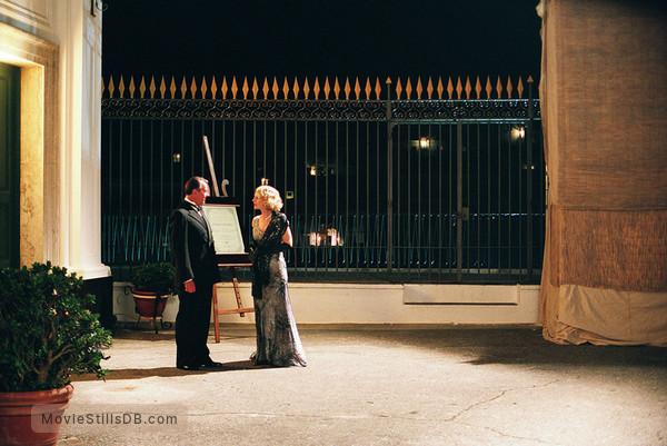 A Good Woman - Publicity still of Tom Wilkinson & Helen Hunt