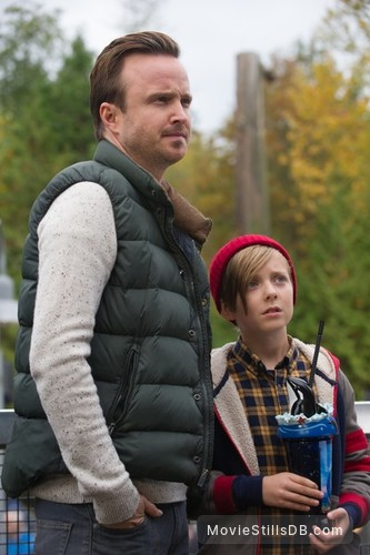The 9th Life of Louis Drax - Publicity still of Aaron Paul & Aiden Longworth
