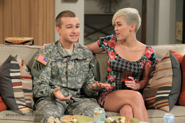 Two and a Half Men - Publicity still of Miley Cyrus & Angus T. Jones