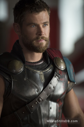 Thor: Ragnarok - Publicity still of Chris Hemsworth