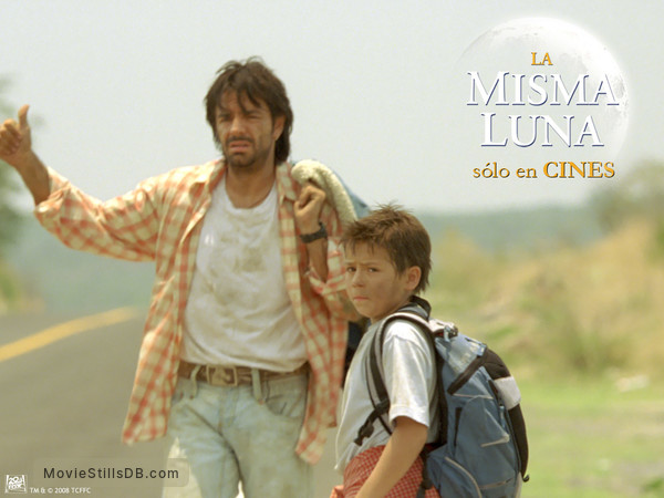 La Misma Luna Wallpaper With Eugenio Derbez Adri N